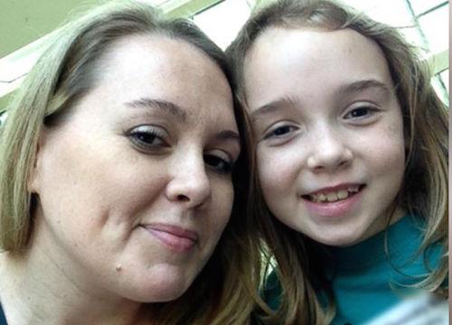 Nicki Nichols with daughter