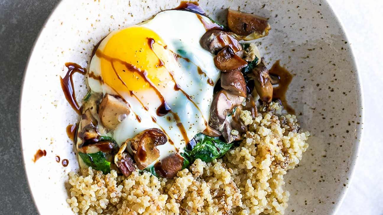 Spinach Mushroom Quinoa Breakfast Bowl