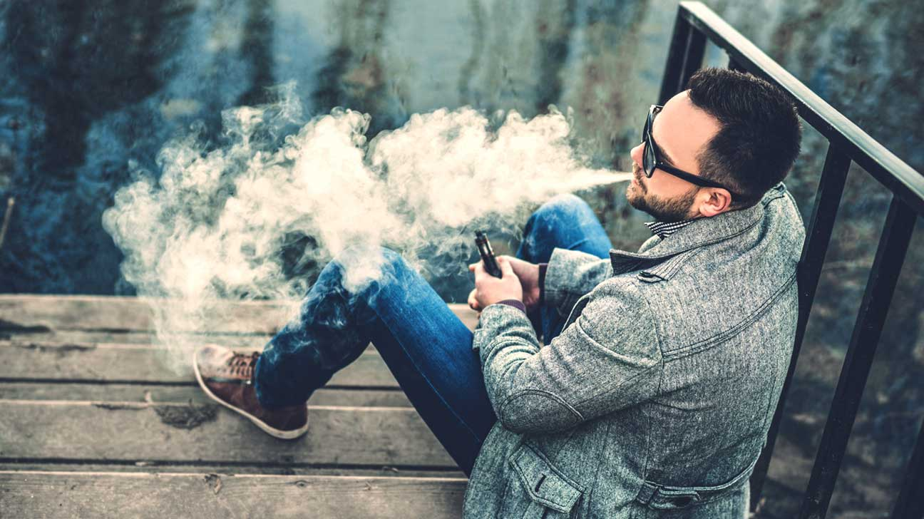 E-cigarettes, vaping could lengthen smokers' lives