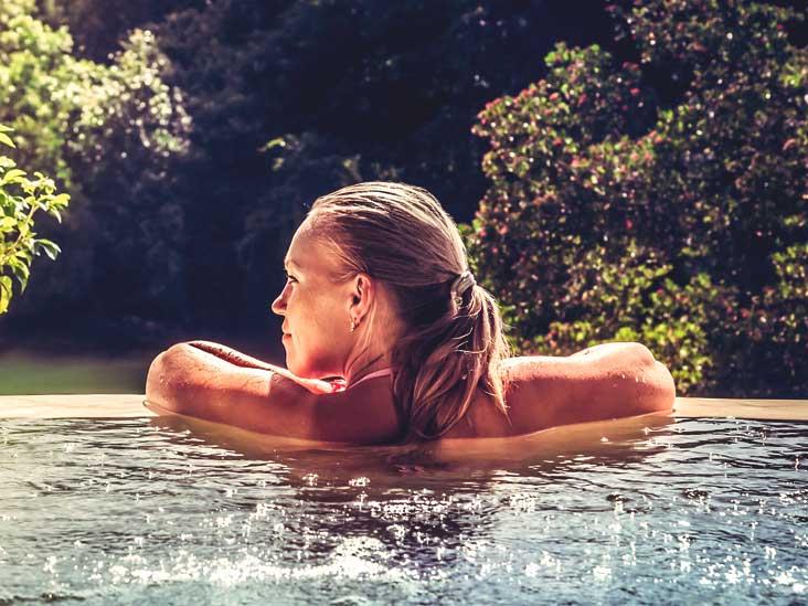006d6d70c0ca3 Hot Tub Folliculitis: Rash, Treatment, Contagious, Hives, and Symptoms