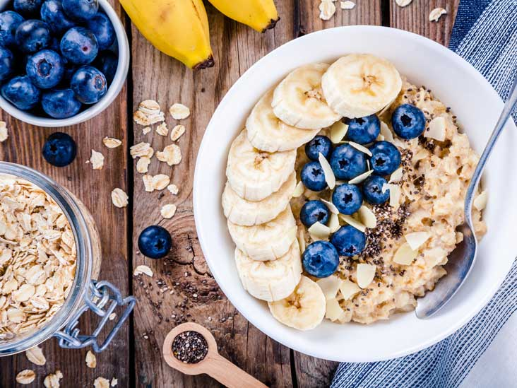 5 Best Foods to Eat First Thing in the Morning -  Oatmeal