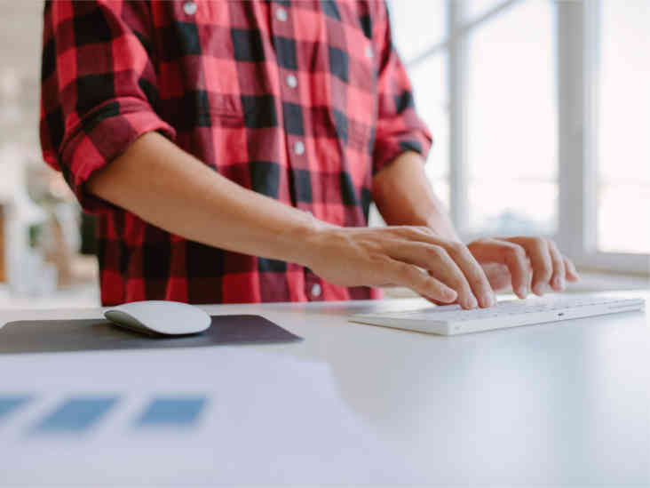 Groovy 6 Tips To Use A Standing Desk Correctly Download Free Architecture Designs Sospemadebymaigaardcom