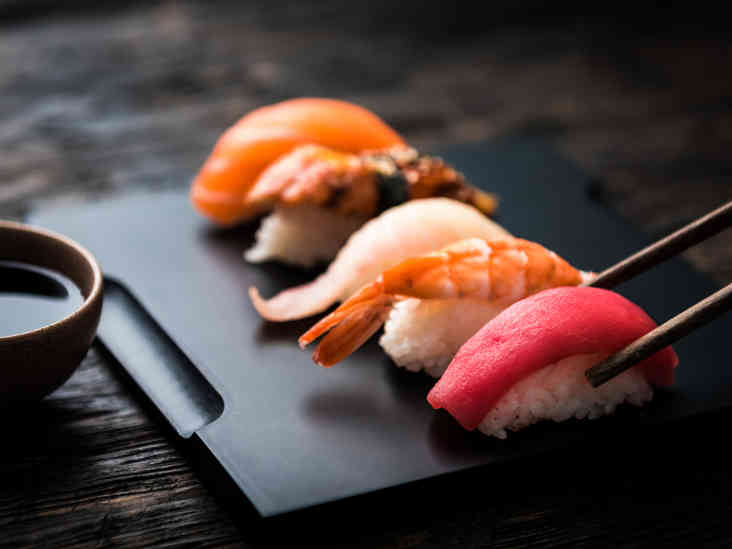 Is eating raw fish safe and healthy for Fish to buy