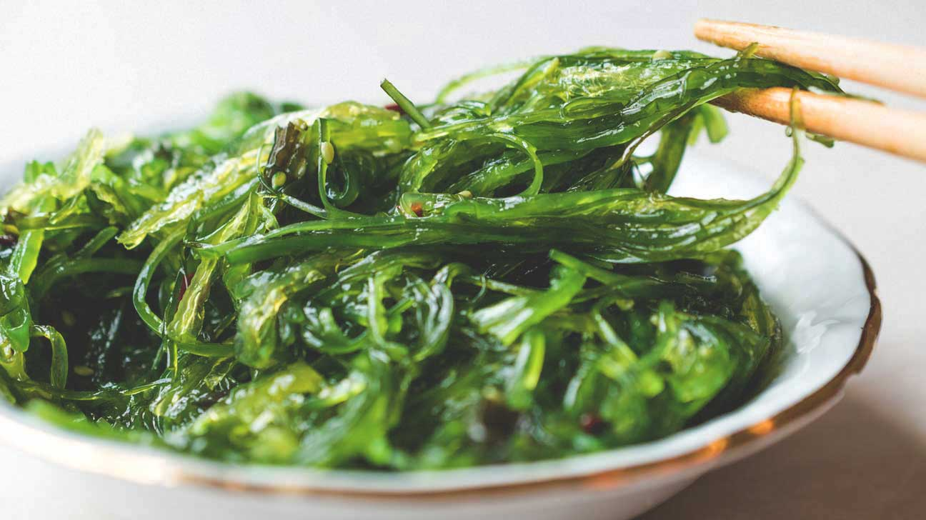 Vegetables Containing Iodine 9 healthy foods that are rich in iodine wakame seaweed in a bowl workwithnaturefo