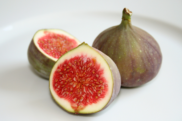 Freshly-sliced figs