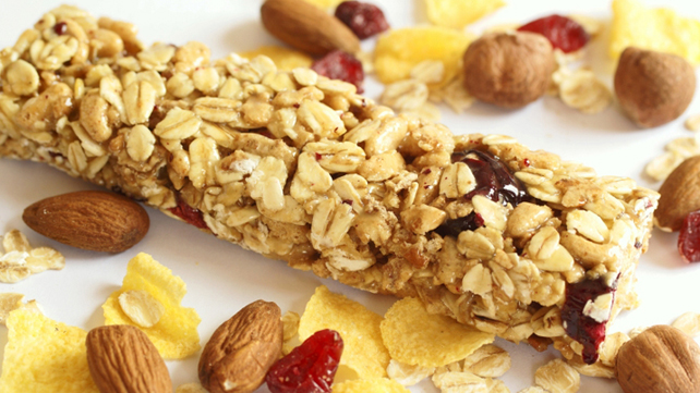granola bar with nuts