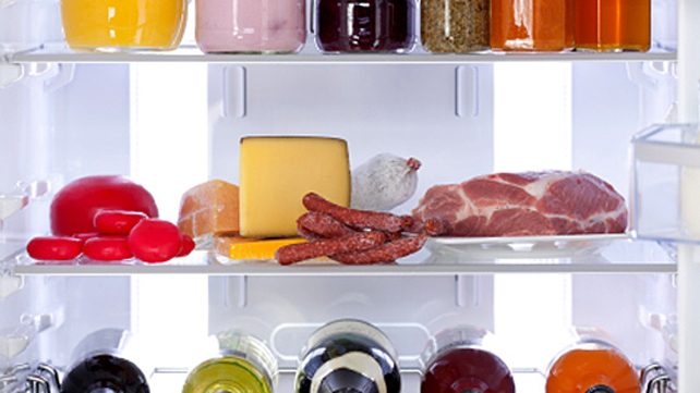 food on refrigerator shelves