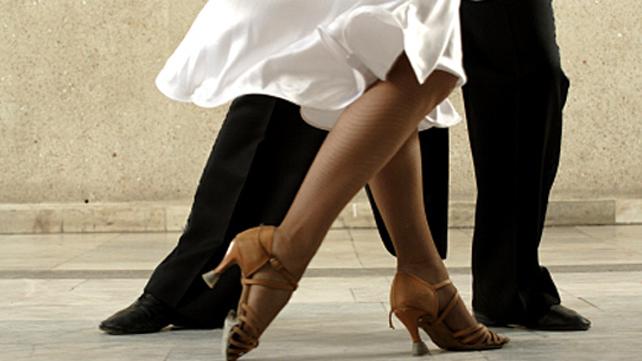 tango dancers' feet