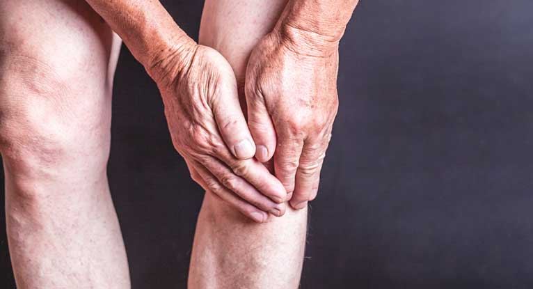 Knees Cracking? Could Be a Sign of Osteoarthritis