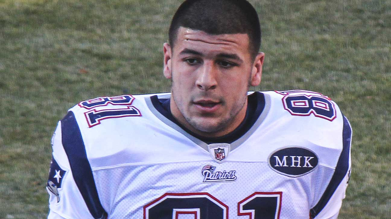 aaron hernandez paper Upon signing his five-year, $40 million extension with the patriots, tight end aaron hernandez made a gesture that will stay with owner robert kraft forever.