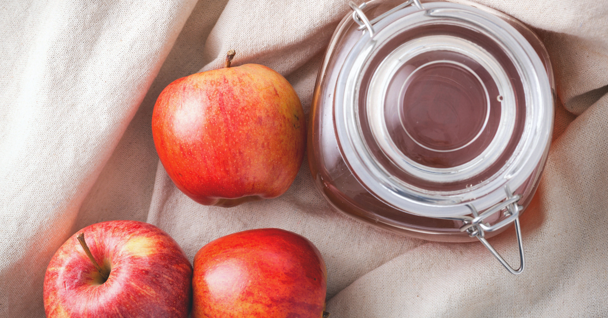Apple Cider Vinegar for a Sore Throat: Benefits and Home