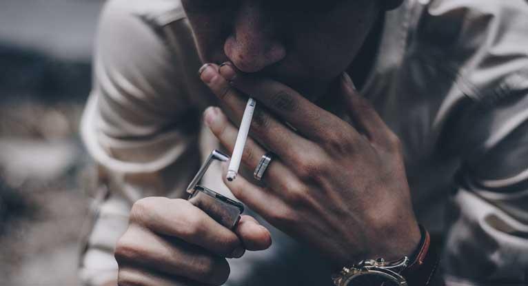 คนที่สูบบุหรี่เท่านั้นถึงจะเป็นมะเร็งปอด