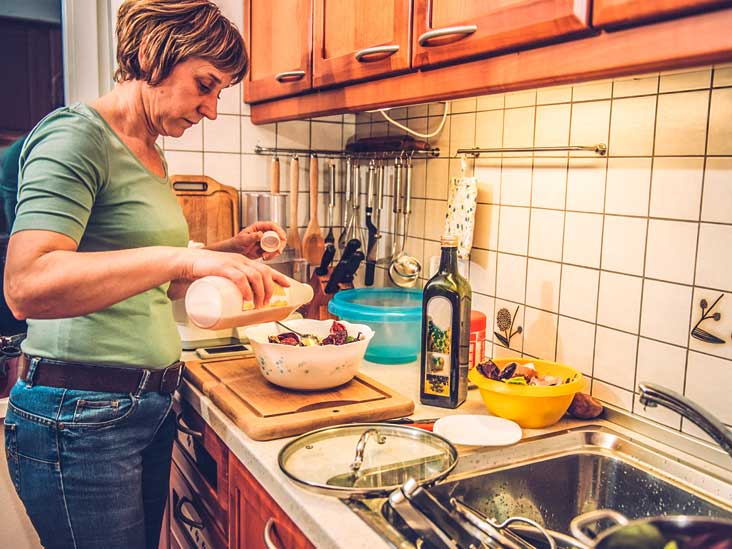 A Healthy Diet May Help Delay Start of Menopause