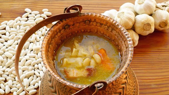 Italian Style White Bean and Kale Soup