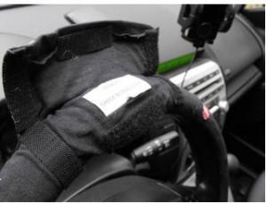 steering-wheel-cover-2