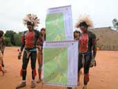 members of the Ipkeng tribe with a land map