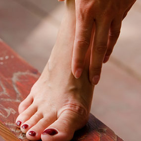 exercise reduces uric acid gout pain between toes does lemon lower uric acid