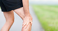 man with ra knee pain