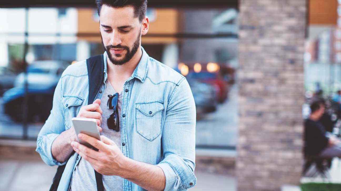 Texting While Walking More Common Dangerous
