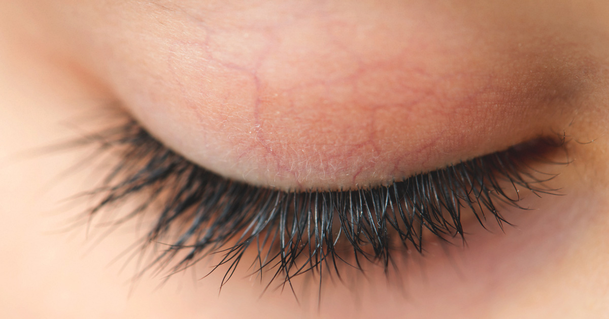 cb28e5041d9 Coconut Oil for Eyelashes: Benefits and Precautions