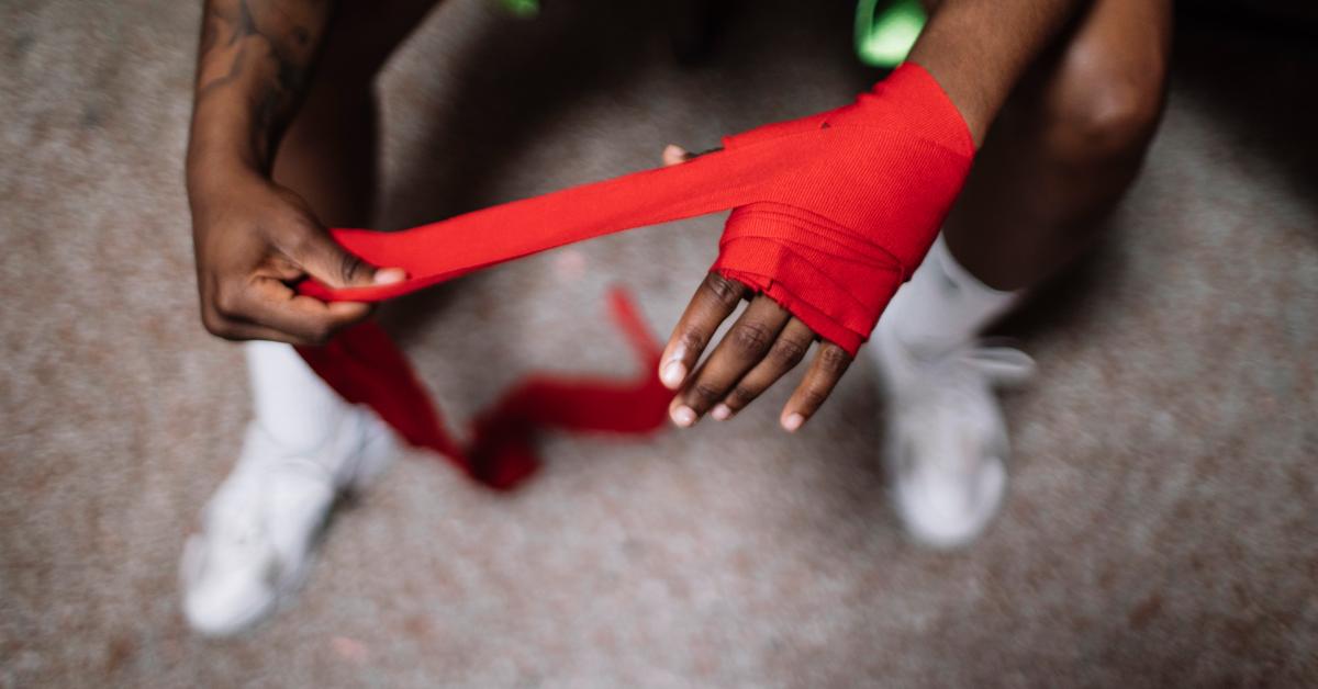 Wrist Pain: Causes, Symptoms and Diagnosis