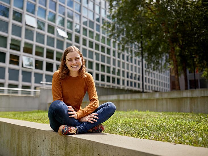 2019 Healthline & NAMI Stronger Scholarship Winner: A Chat with Emma Seevak