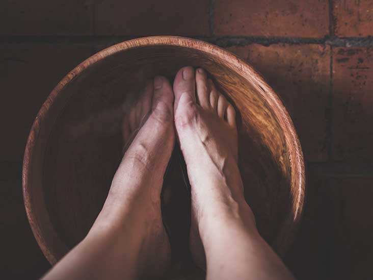 Are There Any Benefits to Soaking Your Feet in Listerine?