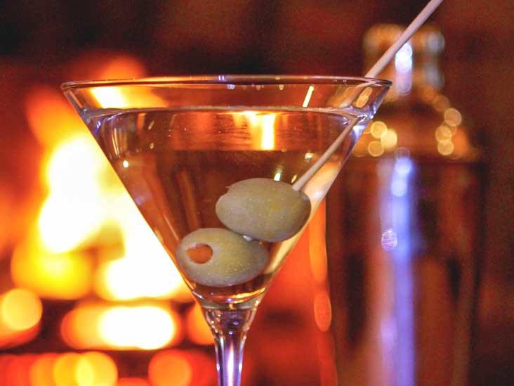 Taking Melatonin: Can You Mix Melatonin and Alcohol?
