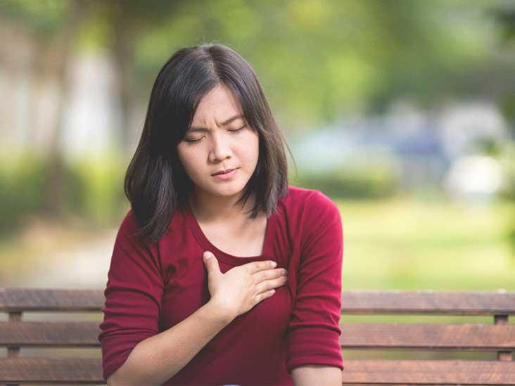 brustschmerzen-bei-maedchen-im-teenageralter