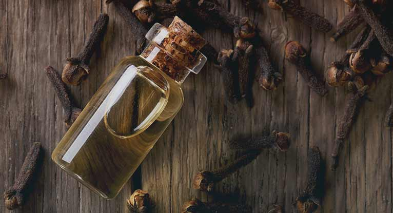 how to use clove oil for women