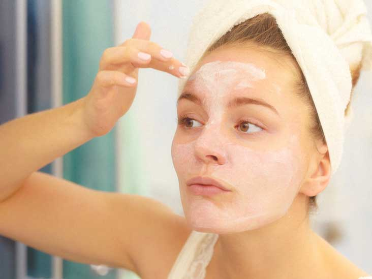 Baking Soda and Acne: Benefits, Risks and Treatment Methods