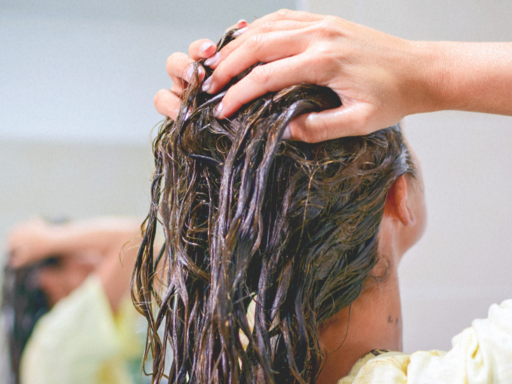 Home Remedies for Dry Scalp: Easy and Helpful Tips