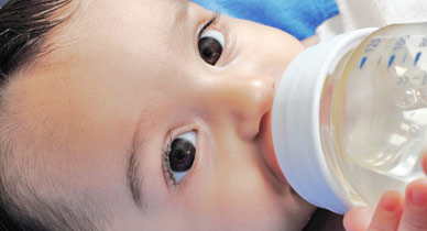 how to get my baby to take a pacifier