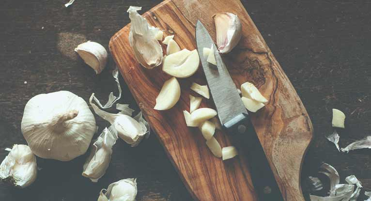 Can You Eat Garlic If You Have Acid Reflux?