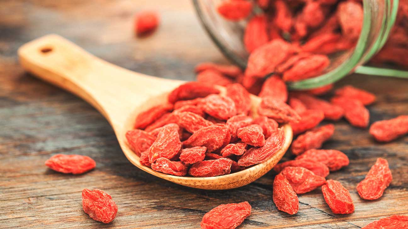 What do goji berries look like 9