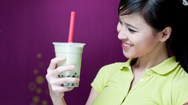 girl with boba