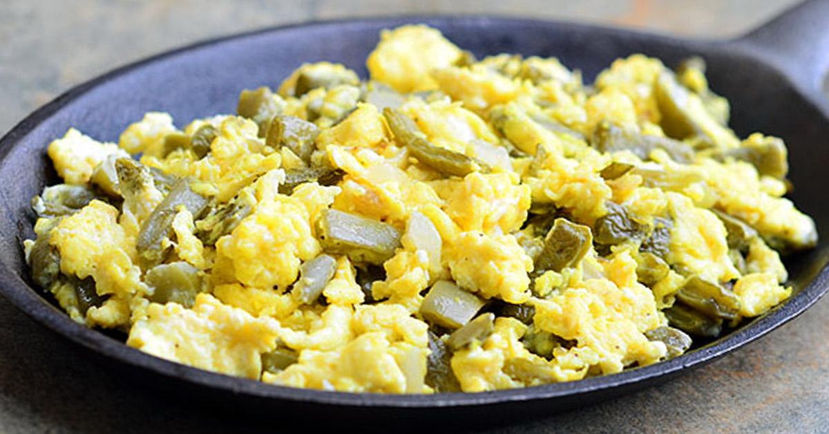 nopalitos con huevos
