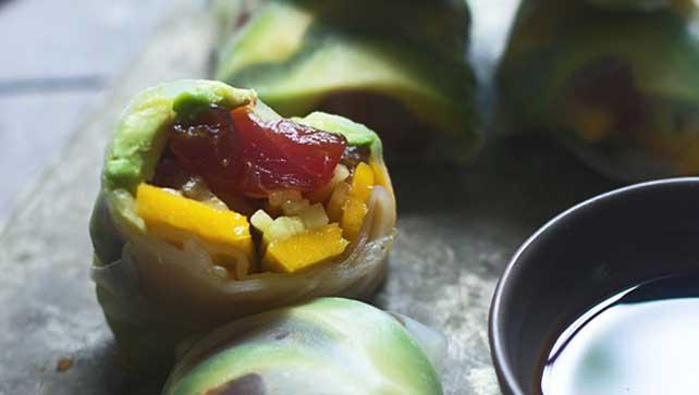 Spicy tuna and mango soft spring rolls