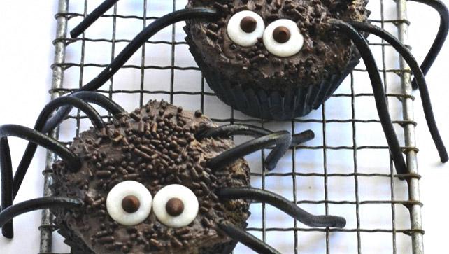 black widow cupcake