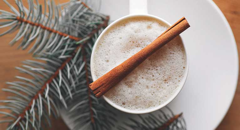8 Healthy Versions of Classic Holiday Drinks