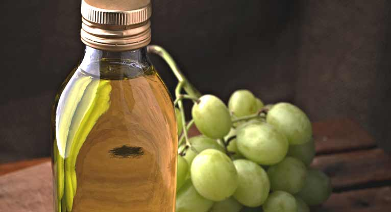 The Health and Beauty Benefits of Grapeseed Oil