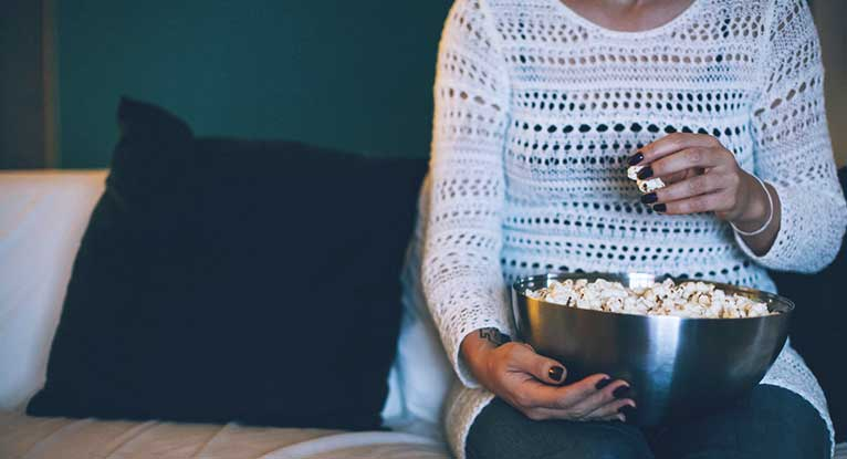 What Are Healthy Ways to Eat Popcorn?