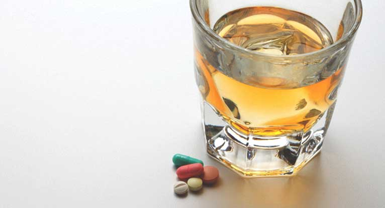 Is It Safe to Drink Alcohol While Taking Acetaminophen?