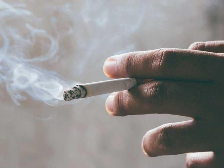 "Expresa tu momento "" in situ "" con una imagen - Página 6 Hand_holding_cigarette-732x549-thumbnail"