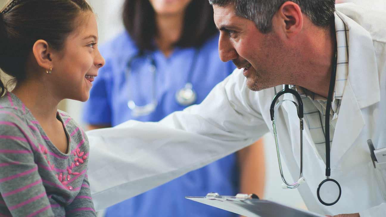 doctor giving meningitis booster