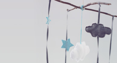 'The Best Baby Soothers for Your Little One' from the web at 'http://www.healthline.com/hlcmsresource/images/topic_centers/parenting/388x210_The_Best_Baby_Soothers_for_Your_Little_One.jpg'