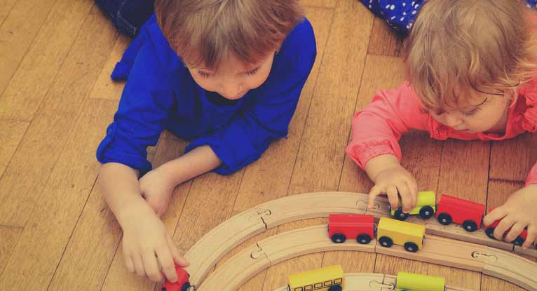 5 Ways Toddlers Benefit from Parallel Play