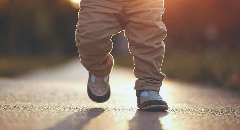 When Do Babies Start Walking?