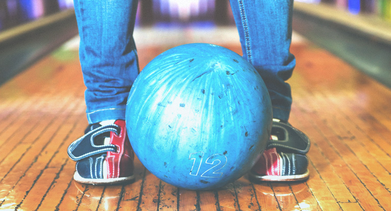 How to Safely Go Bowling While Pregnant