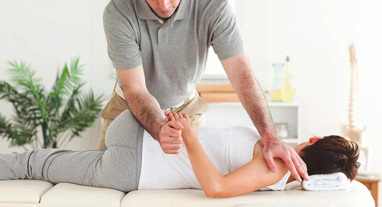 Chiropractor While Pregnant: What Are the Benefits?